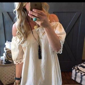 Dresses & Skirts - Boho Boutique Cold Shoulder Tunic M